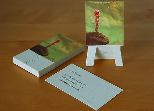 כרטיס ביקור לאמן: בעזרת קיפול, הכרטיס הופך למעמד לציור.